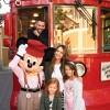 Jessica Alba disfruta Disney como una adolescente